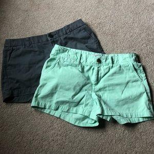2 chino shorts size 4